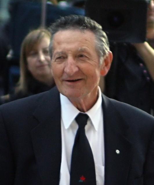 Wayne's Gretzky's father, Walter Gretzky